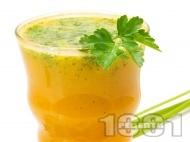 Безалкохолен коктейл с ананас, сок от моркови, чили и кориандър
